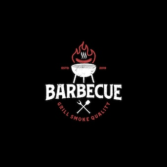 Барбекю гриль ресторан гриль еда напиток логотип - огонь шпатель элемент колбаса мясо