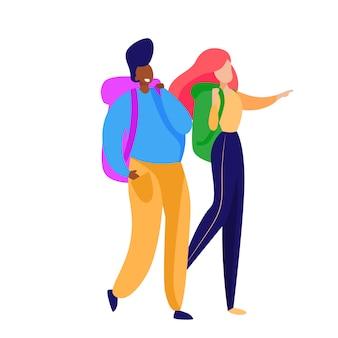 バックパックで歩く女性観光客