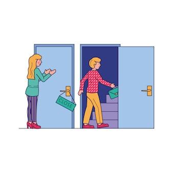 開いたドアから入る男