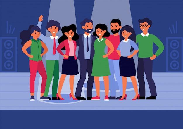 ステージ上に立って成功するビジネスチーム