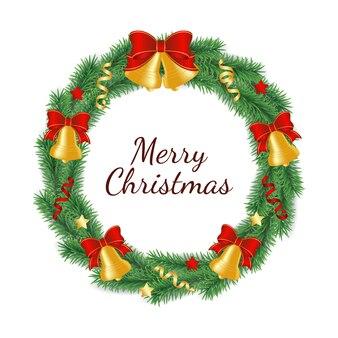 弓、リボン、星の鐘で飾られた円の形で緑の木の枝から作られたクリスマスリース。