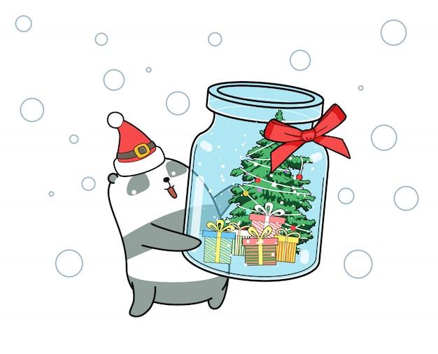 かわいいパンダは、ボトルにクリスマスツリーを持ち上げています