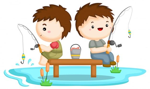Два брата ловят рыбу вместе на озере