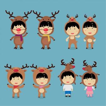 キャラクターデザインかわいい子供たちはトナカイの衣装セットを着て