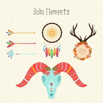 ボホ族の要素。矢印と羊の頭蓋骨、花の平和パターン、シカの鹿やドリームキャッチャーとベクトル民族セット