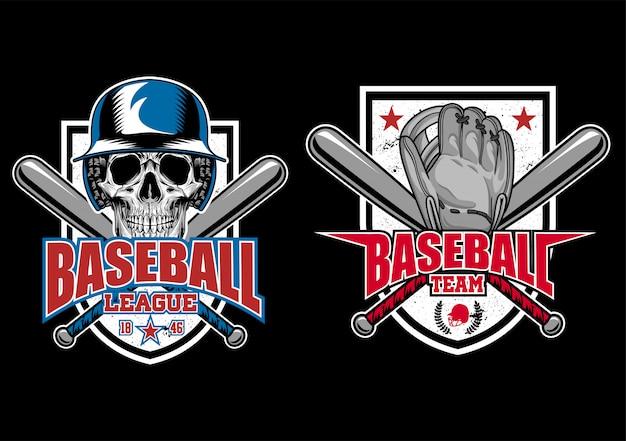 頭蓋骨、手袋、およびバットが付いている標準的な野球の盾