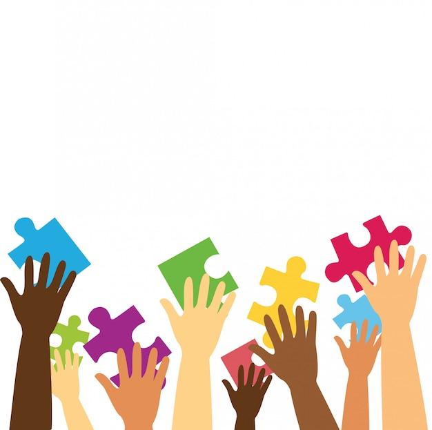 Многие руки держат красочные кусочки головоломки