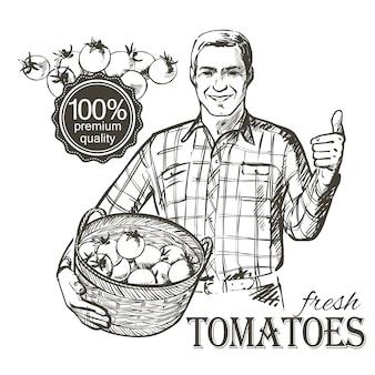 新鮮な野菜のトマトがいっぱい入ったかごを運ぶ農家