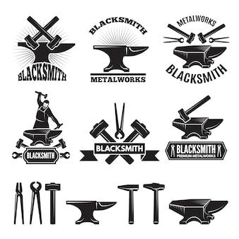 Промышленный логотип установлен. этикетки для кузнеца.