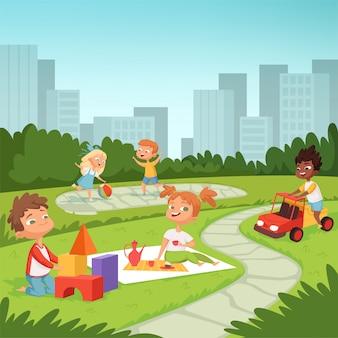屋外の教育的なゲームで遊ぶ子供たち