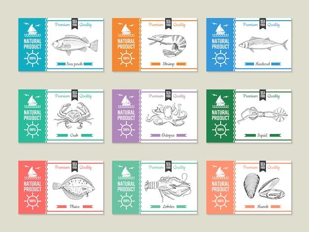 Морепродукты этикетки. шаблон оформления с рисованной иллюстрацией рыбы и других морепродуктов