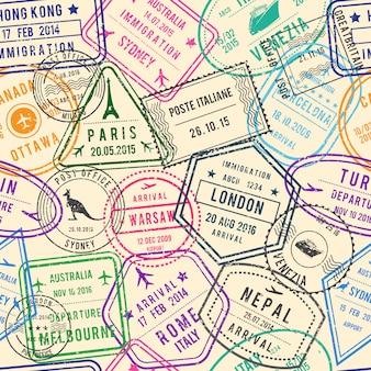 切手、ビザ、旅行のためのさまざまなドキュメントと旅行イラストのシームレスなパターンベクトル