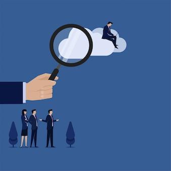 ビジネスフラットベクトル概念手は、拡大を保持し、ビジネスマンはクラウド検索のクラウドメタファーに取り組んでいます。