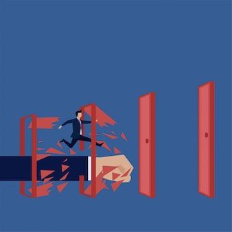 ビジネスフラットベクトル概念男は、ルールを破るのドアのメタファーを破るを実行します。