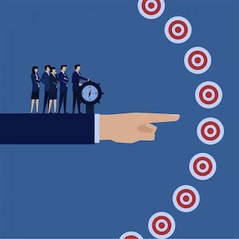 ビジネスフラットベクトルコンセプトマネージャーは、ターゲットと計画の正しいターゲットメタファーにコンパスを向けます。