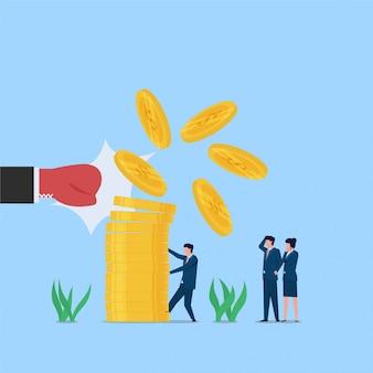 コインスタックとそれを抱えた男が生き残り危機の比喩を大きな手パンチ。ビジネスフラットの概念図。