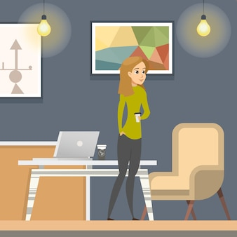 Женщина на кофе-брейк в открытом пространстве коворкинг.