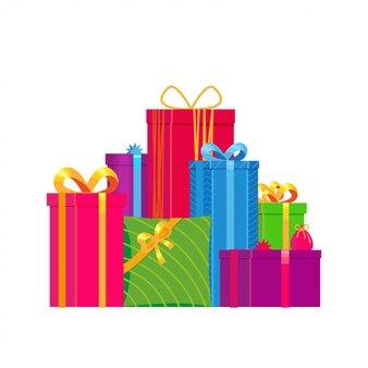 Рождественская подарочная коробка на белом