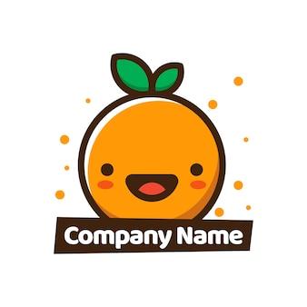 オレンジアイコンの果物夏のかわいい笑顔幸せ食料品店の果物