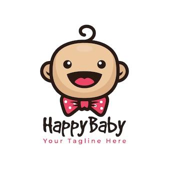 Милый ребенок улыбка логотип с бабочкой логотип вектор
