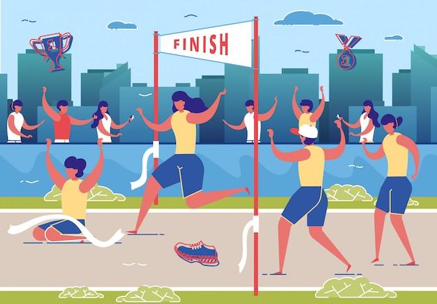 Женщины принимают участие в соревнованиях по бегу, марафон.
