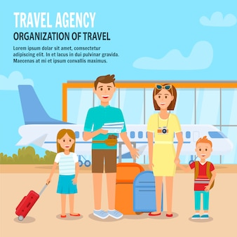 Счастливая семья с детьми, путешествующими с багажом