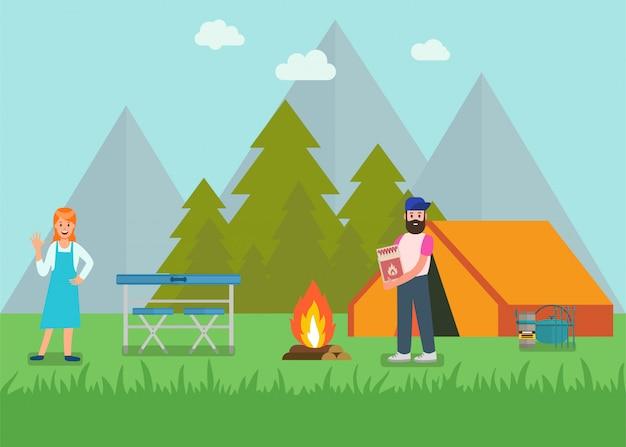 Счастливая пара в лесных товарах для пикника