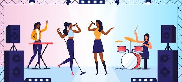 女性ポップロックバンドコンサート