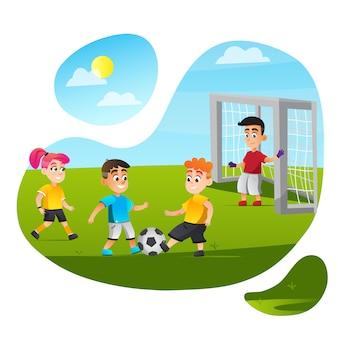 漫画の子供たちは芝生のフィールドでサッカーをします。