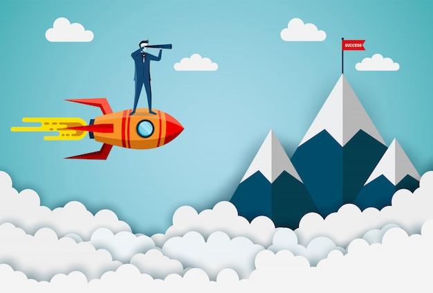 スペースシャトルで双眼鏡を持って立っているビジネスマンが山の赤い旗のターゲットに行く