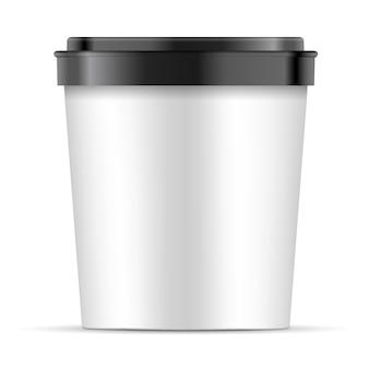 デザートのための黒いふたが付いている開いている白い紙コップ