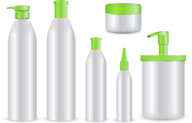 Реалистичные косметические бутылки на белом фоне.