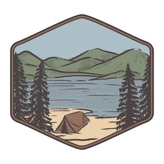 湖、山、テント