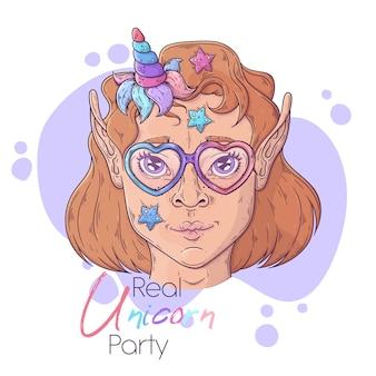 Нарисованная рукой иллюстрация девушки с волшебным рогом единорога