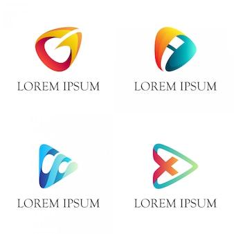矢印とイニシャルのあるロゴの組み合わせを再生