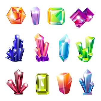 あらゆる形の光沢のある貴重な天然の結晶セット