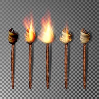 Факел с пламенем на темном прозрачном фоне