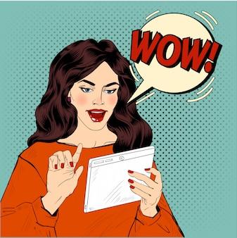 タブレットポップアートと驚いた女性