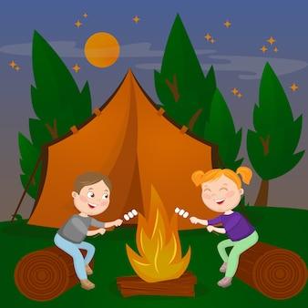 Детский летний лагерь. мальчик и девочка, сидя у камина. костер с зефиром. векторная иллюстрация