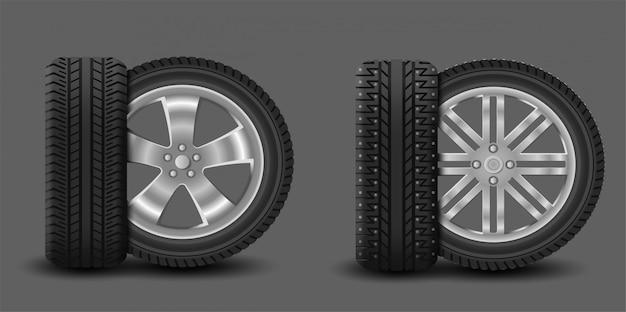 夏用タイヤとスパイク付き冬用タイヤが付いた車のホイール