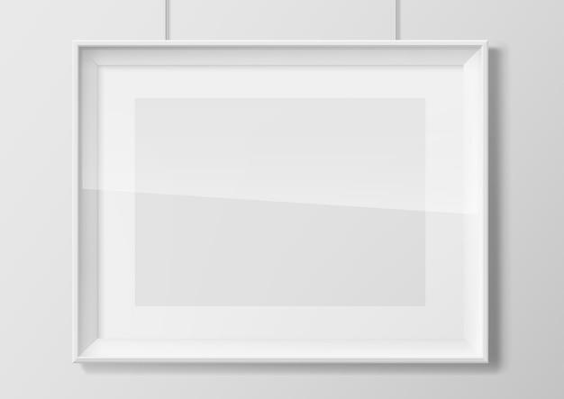 Горизонтальная белая фоторамка со стеклом