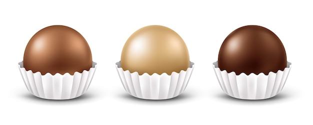 段ボール紙ラッパー付きの丸いチョコレート菓子