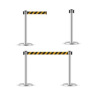 引き込み式ベルト支柱セット。