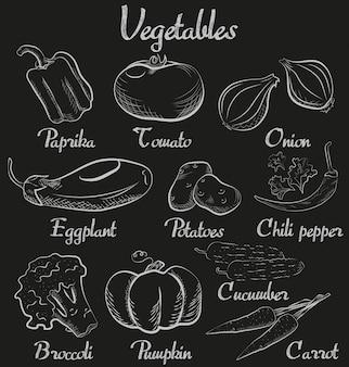 Старинные овощи рисованной мелом доске