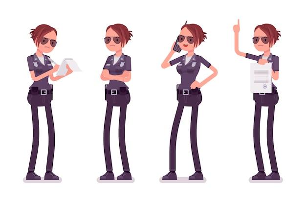 Молодая занятая женщина-полицейский