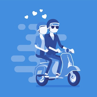 Влюбленная пара на скутере