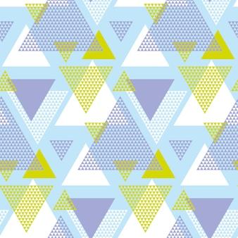 Зеленый и фиолетовый элегантный творческий повторяющийся мотив с треугольниками для оберточной бумаги или ткани.