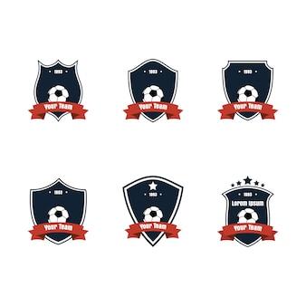 フラットなデザインのフットボールまたはサッカーのアイコンまたはロゴセット