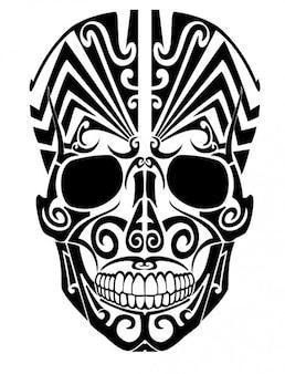 正面からの部族の頭蓋骨の入れ墨