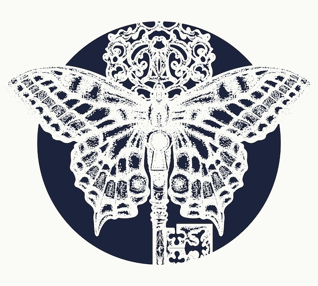 Татуировка бабочка и ключ